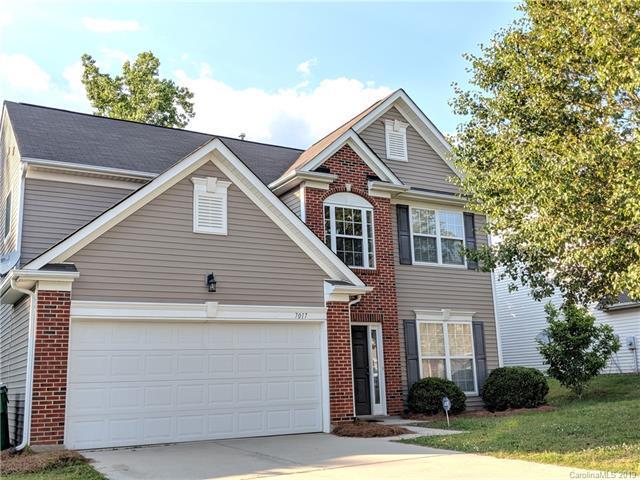 7017 Advocator Lane, Charlotte, NC 28216 (#3509746) :: Homes Charlotte
