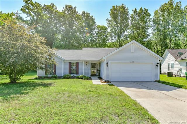 209 W Bank Drive, Charlotte, NC 28214 (#3509858) :: Cloninger Properties