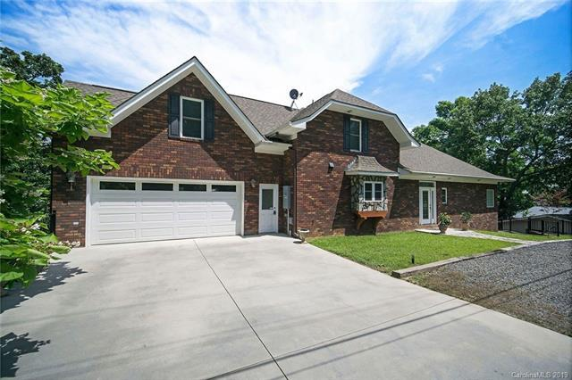 1425 Berry Hill Drive, Norwood, NC 28128 (#3509919) :: Washburn Real Estate