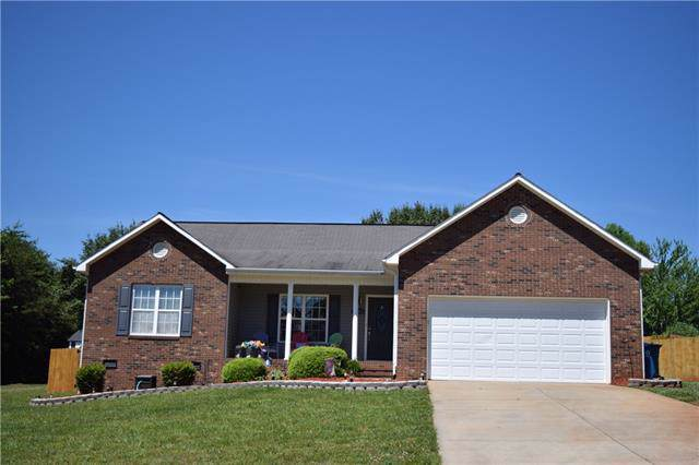 4854 Gateway Drive, Claremont, NC 28610 (#3509988) :: Rinehart Realty
