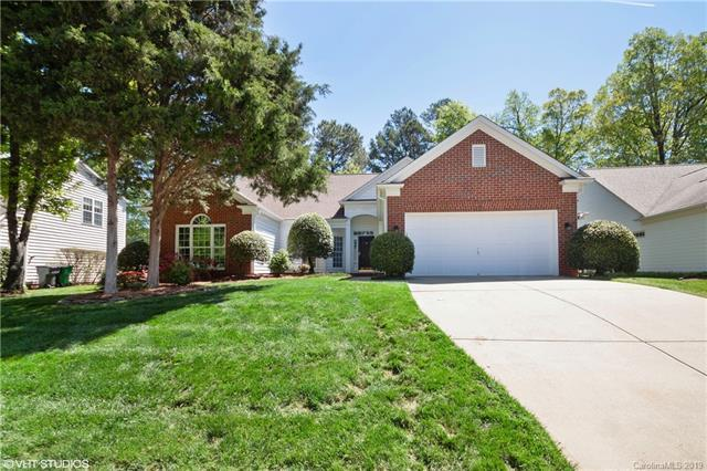 7406 Ridgefield Drive, Charlotte, NC 28269 (#3510017) :: The Premier Team at RE/MAX Executive Realty