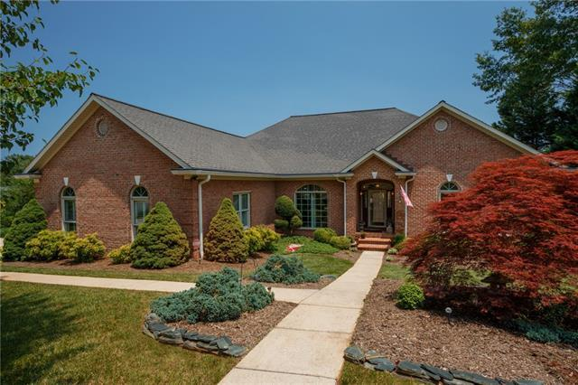 120 49th Avenue Place NW, Hickory, NC 28601 (#3510019) :: High Performance Real Estate Advisors