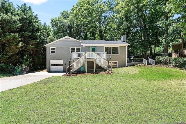 2711 Allen Road S, Charlotte, NC 28269 (#3510425) :: LePage Johnson Realty Group, LLC