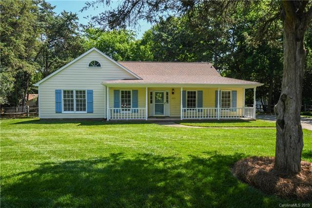 2511 Jena Court, Charlotte, NC 28210 (#3510446) :: Carlyle Properties