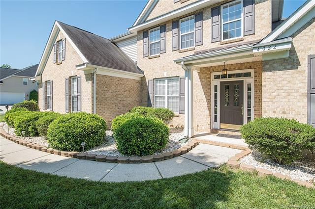 4022 Toddington Lane, Charlotte, NC 28270 (#3510534) :: Miller Realty Group