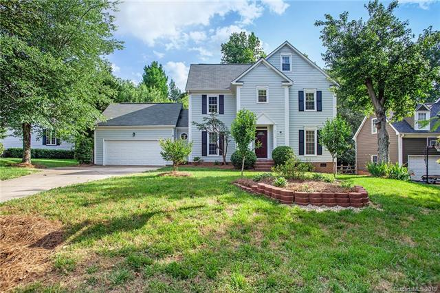 9424 Harlow Creek Road, Huntersville, NC 28078 (#3510607) :: Rinehart Realty