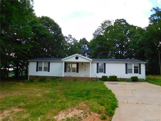 7117 Maple Glen Drive, Catawba, NC 28609 (MLS #3510612) :: RE/MAX Impact Realty