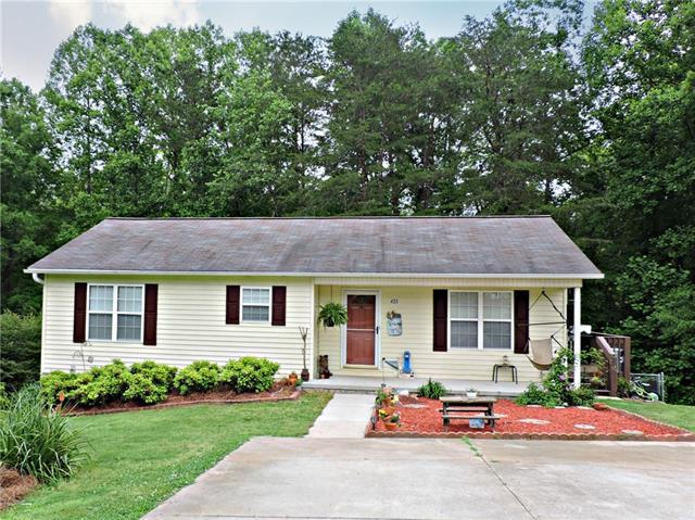 433 Forest Drive, Maiden, NC 28650 (#3510641) :: The Ramsey Group