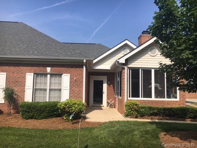 8432 Highland Glen Drive, Charlotte, NC 28269 (#3510810) :: Odell Realty