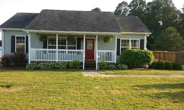 79 Ridge Field Drive, Hendersonville, NC 28792 (#3510891) :: Keller Williams Professionals