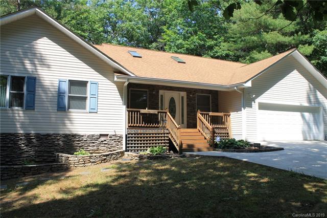 752 Salisbury Road, Hendersonville, NC 28792 (#3510963) :: Charlotte Home Experts
