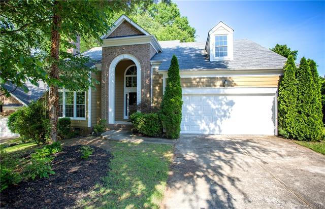 9011 Warbler Court, Charlotte, NC 28210 (#3511140) :: Carlyle Properties