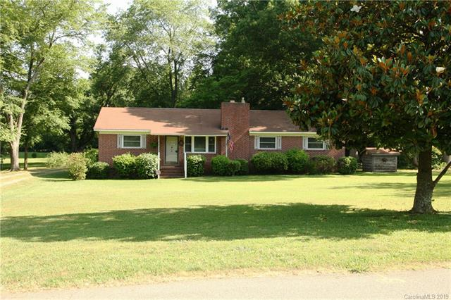 810 Dale Avenue, Charlotte, NC 28216 (#3511158) :: Odell Realty