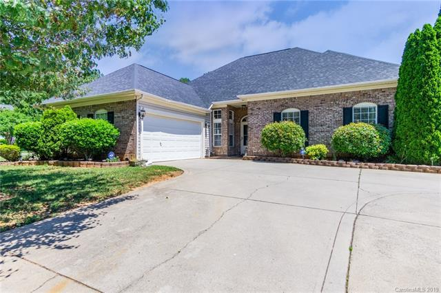 2838 Oakglade Court, Matthews, NC 28105 (#3511227) :: Puma & Associates Realty Inc.