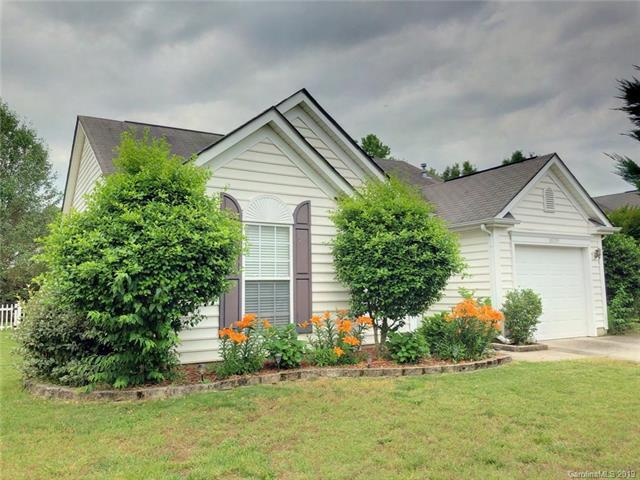 10329 Illoria Drive, Charlotte, NC 28273 (#3511244) :: Odell Realty