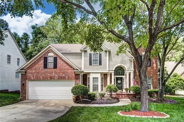 5823 Swanston Drive, Charlotte, NC 28269 (#3511284) :: Odell Realty