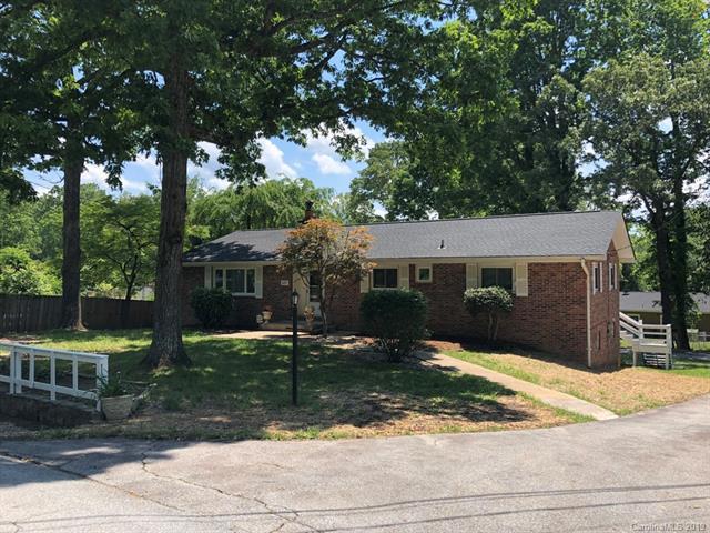 435 Hillcrest Circle, Hendersonville, NC 28792 (#3511544) :: Robert Greene Real Estate, Inc.