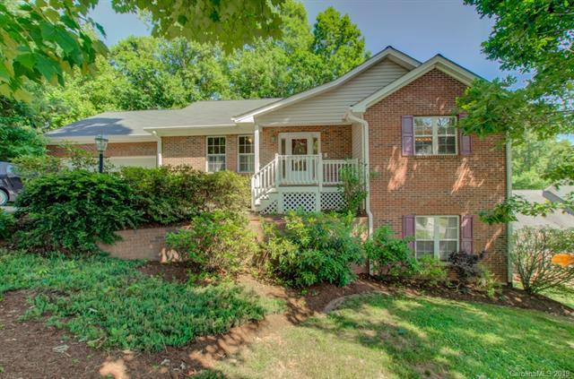 106 Wood Glen Court, Arden, NC 28704 (#3511560) :: Johnson Property Group - Keller Williams