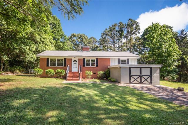 1332 Lakewood Drive, Matthews, NC 28104 (#3511578) :: Rinehart Realty
