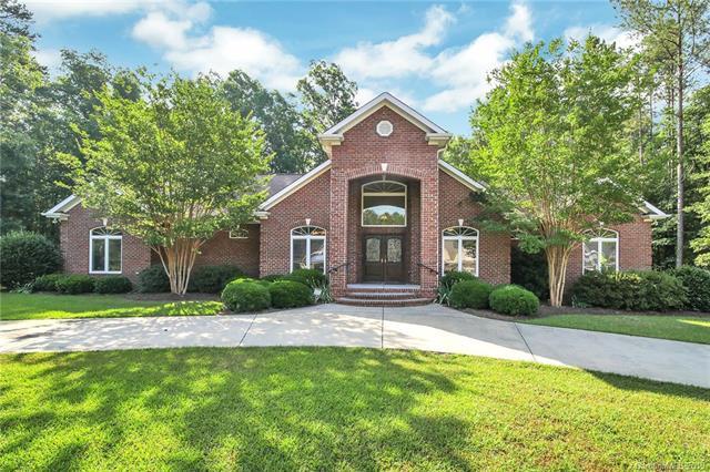 957 Wilson Drive, Lancaster, SC 29720 (#3511595) :: Charlotte Home Experts