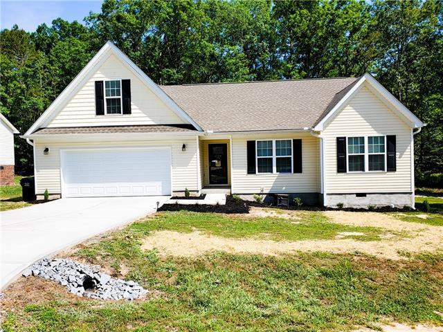 1724 Riverstone Drive, Lincolnton, NC 28092 (#3511648) :: Keller Williams South Park