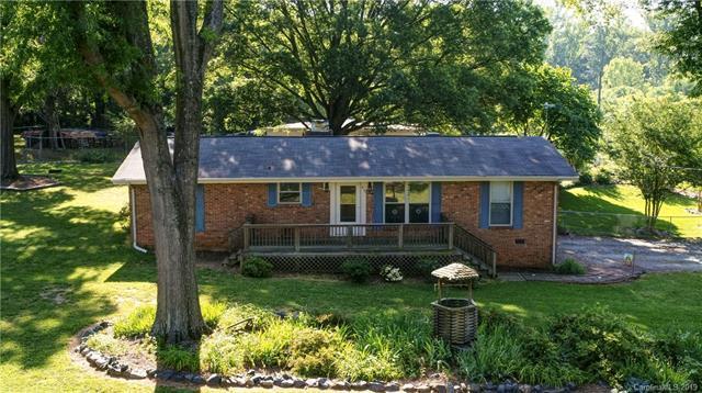 415 Melynda Road, Charlotte, NC 28208 (#3511664) :: Rinehart Realty