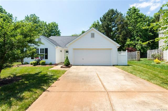 10035 Highlands Crossing Drive, Charlotte, NC 28277 (#3511687) :: LePage Johnson Realty Group, LLC
