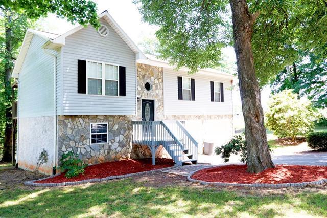 4408 Hickory Nut Ridge Road, Hudson, NC 28638 (#3511727) :: Carlyle Properties