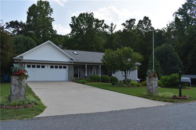 9 Daniel Circle, Granite Falls, NC 28630 (#3512041) :: High Performance Real Estate Advisors