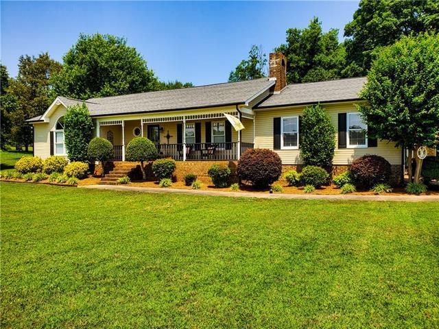 1412 Tot Dellinger Road, Cherryville, NC 28021 (#3512145) :: Rinehart Realty