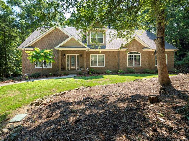 607 Bubbling Well Road, Matthews, NC 28105 (#3512215) :: Scarlett Real Estate