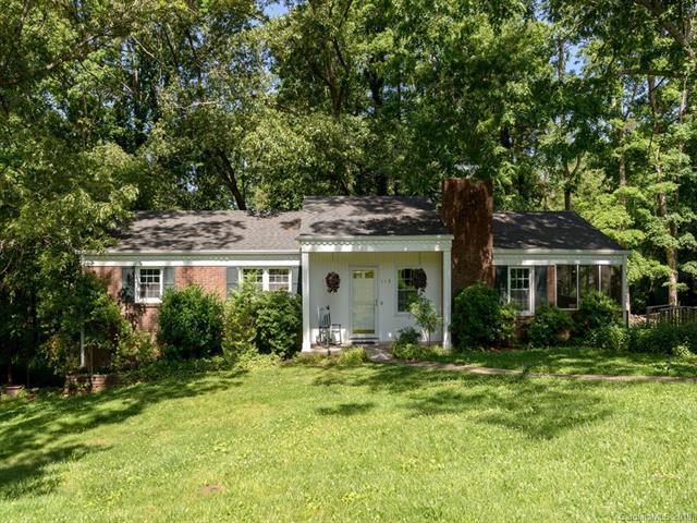 115 Castleton Lane, Hendersonville, NC 28791 (#3512681) :: Keller Williams Professionals