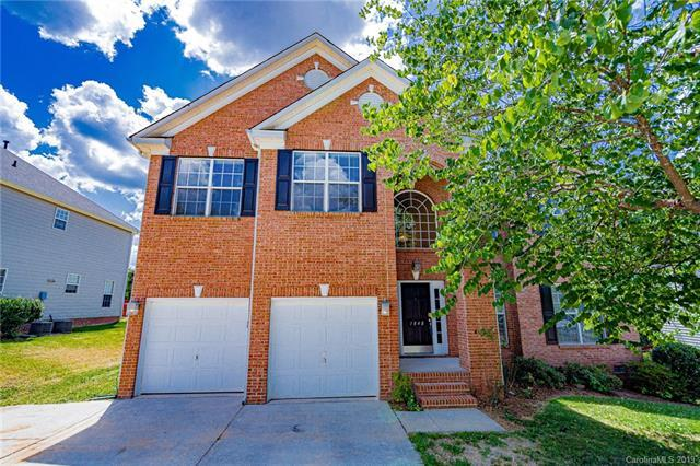 1848 Briarcrest Drive, Charlotte, NC 28269 (#3512998) :: Odell Realty