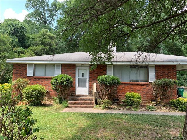2711 Purser Drive, Charlotte, NC 28215 (#3513125) :: LePage Johnson Realty Group, LLC