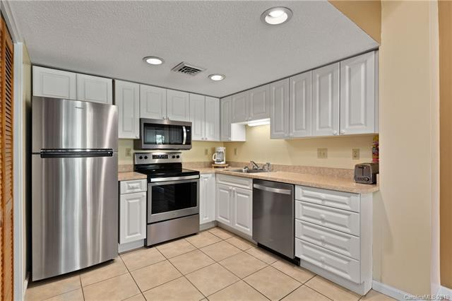 156 Westlake Drive #1302, Lake Lure, NC 28746 (#3513202) :: Keller Williams Professionals