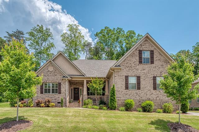 16518 Crosshaven Drive, Charlotte, NC 28278 (#3513501) :: The Andy Bovender Team