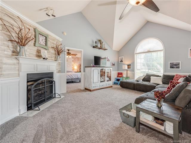 240 Dewars Drive, Rock Hill, SC 29730 (#3513542) :: Chantel Ray Real Estate
