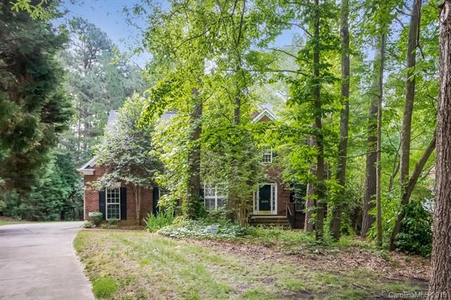 4428 Mountain Cove Drive, Charlotte, NC 28216 (#3513873) :: High Performance Real Estate Advisors