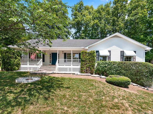 67 Chestnut Lane, Hendersonville, NC 28792 (#3514662) :: Keller Williams Professionals
