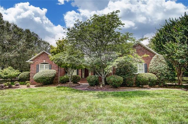 4122 Amarillo Drive SW, Concord, NC 28027 (#3514818) :: Charlotte Home Experts