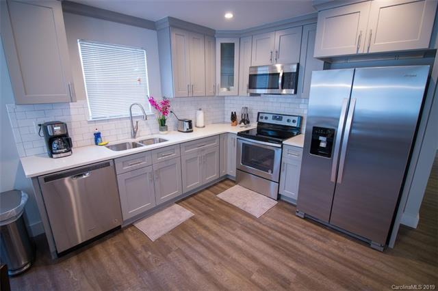 1013 15th Street E, Charlotte, NC 28205 (#3514944) :: Stephen Cooley Real Estate Group