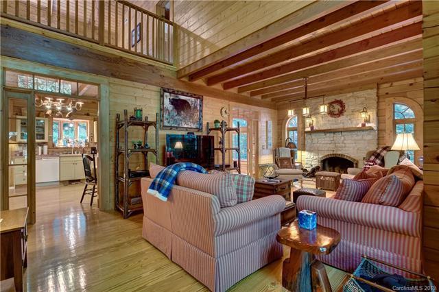 89 Needlepine Lane, Sapphire, NC 28774 (#3515210) :: Charlotte Home Experts