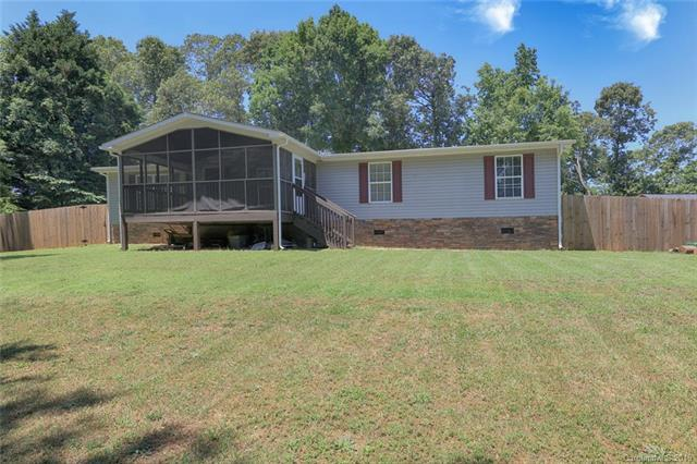 127 Woodwinds Drive, Mooresville, NC 28115 (#3515375) :: LePage Johnson Realty Group, LLC