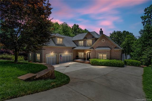 4637 River Bluff Court, Charlotte, NC 28214 (#3515416) :: Keller Williams South Park