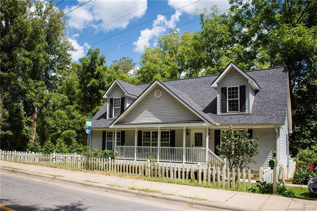 435 New Haw Creek Road, Asheville, NC 28805 (#3515464) :: Rowena Patton's All-Star Powerhouse