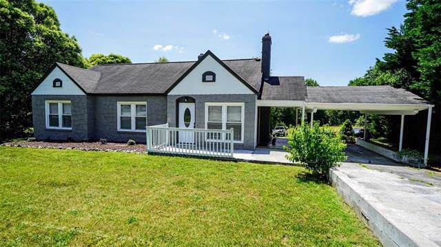 2314 12th Avenue Drive NE, Hickory, NC 28601 (#3515480) :: The Andy Bovender Team