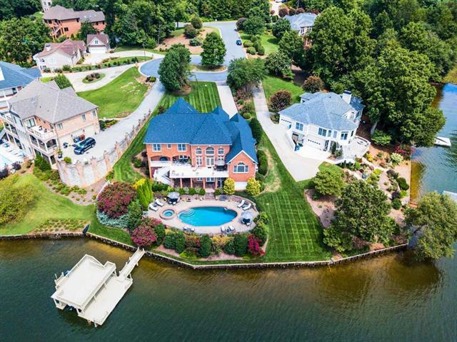 45 River Pointe Drive, Hickory, NC 28601 (#3515803) :: Cloninger Properties