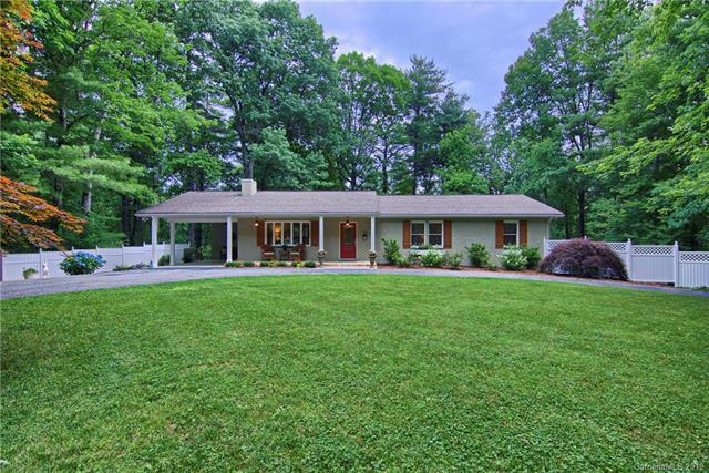 324 Baystone Drive, Hendersonville, NC 28791 (#3515847) :: LePage Johnson Realty Group, LLC