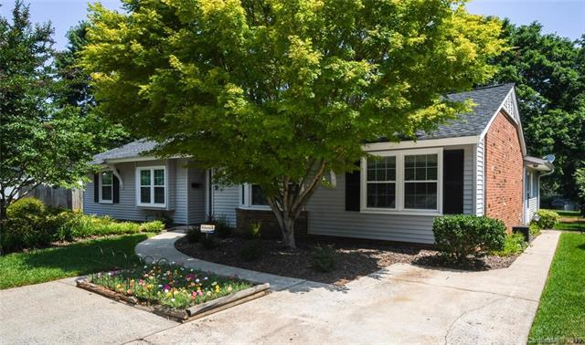 2009 Tyvola Road, Charlotte, NC 28210 (#3515924) :: Keller Williams Biltmore Village