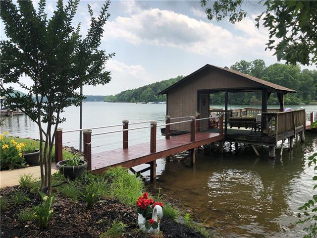 4251 Harbor Lane, Sherrills Ford, NC 28673 (#3515962) :: LePage Johnson Realty Group, LLC